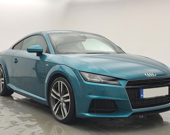 Front image of a Audi-TT